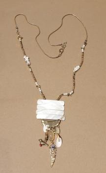 M-01 Collar Nacar